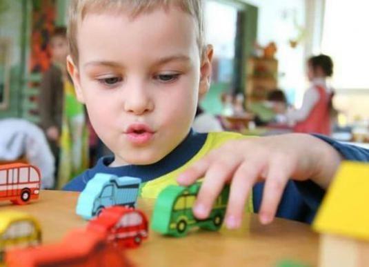 Що роблять діти в садочку?