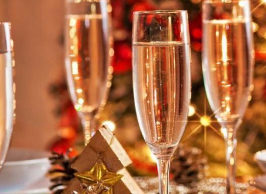 Що подати до шампанського?