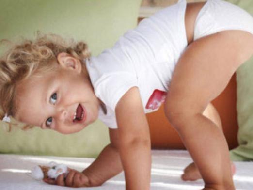 Що вміє дитина в рік?