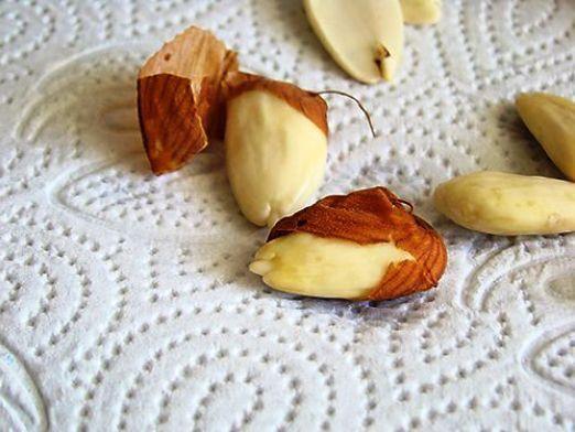 Як очистити горіхи?