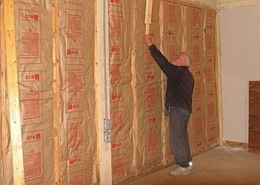 Як утеплити стіну?