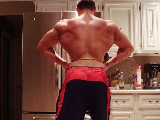 Як збільшити плечі?
