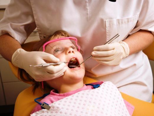 Лікувати чи молочні зуби?
