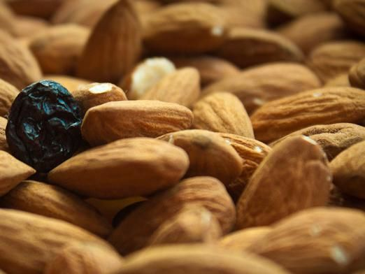 Чи можна вагітним горіхи?