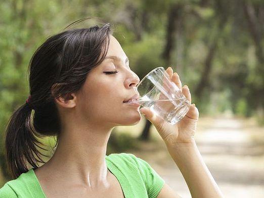 Чи можна пити дистильовану воду?