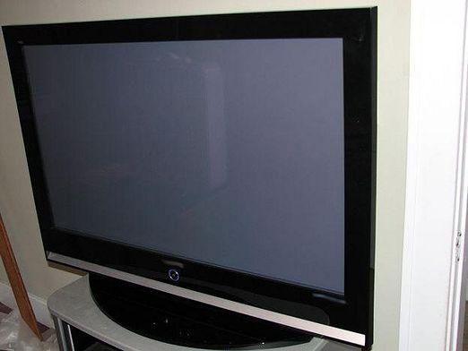 Чому не показує телевізор?