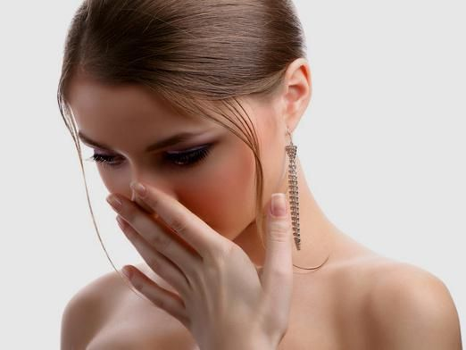 Чому пахне ацетоном?