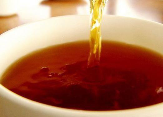 Скільки калорій в чаї з цукром?